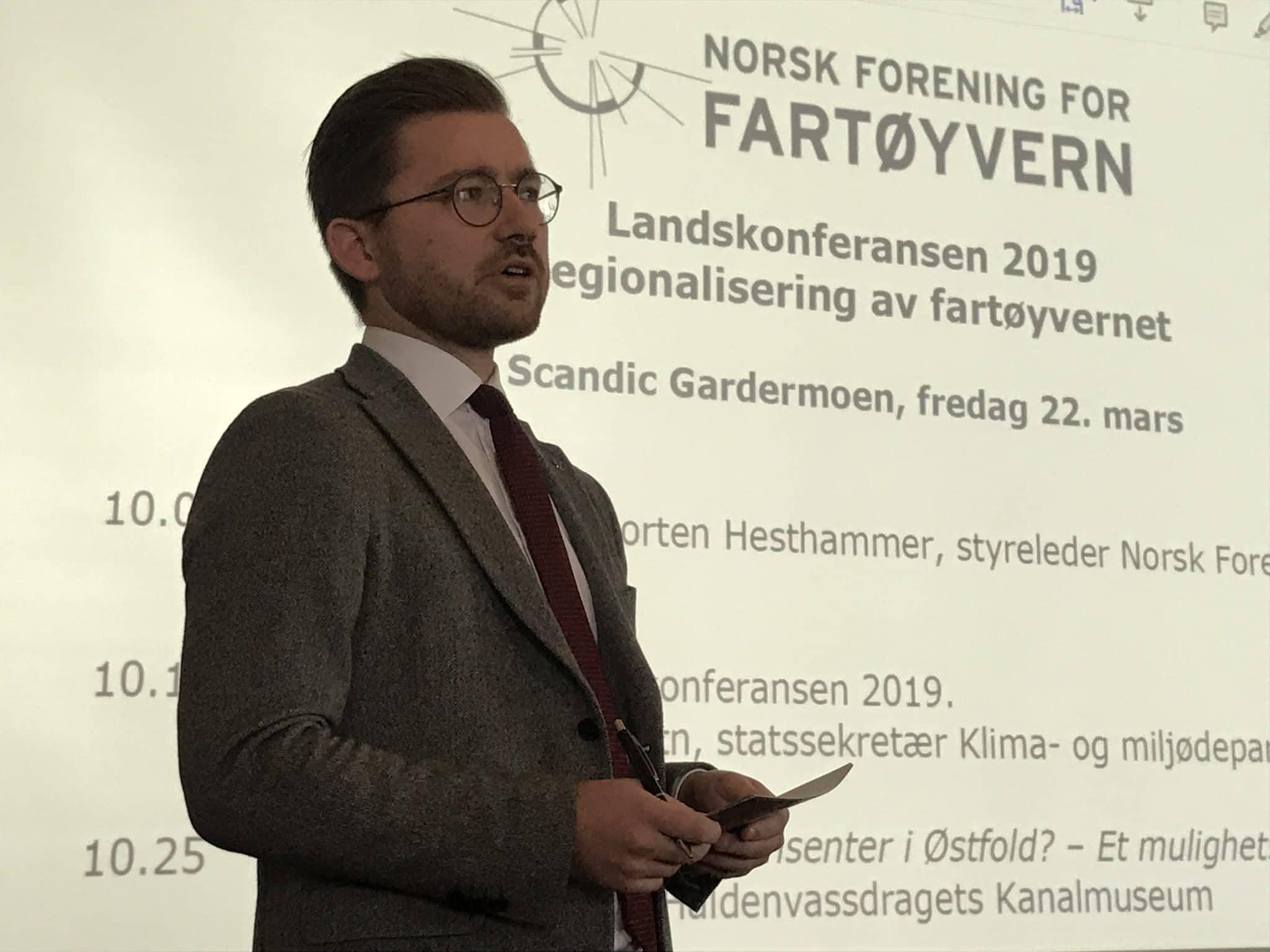 Foto av Klima- og miljøminister Sveinung Rotevatn fra Venstre